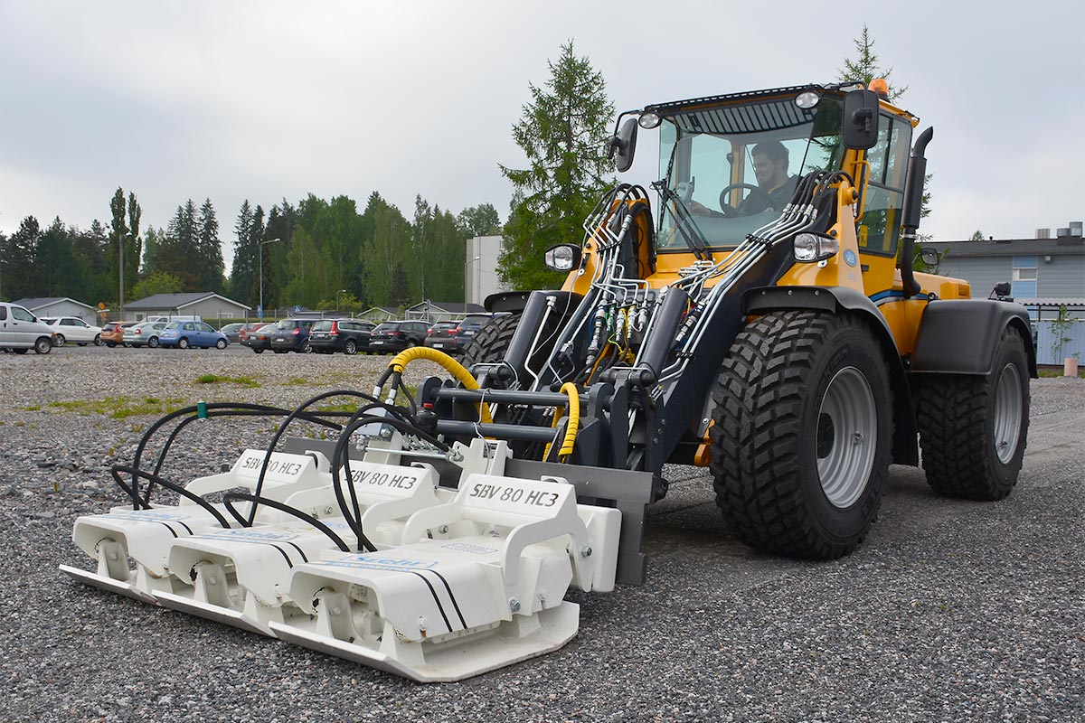 HELVE MUNICIPAL – plate_compactor_in_action1