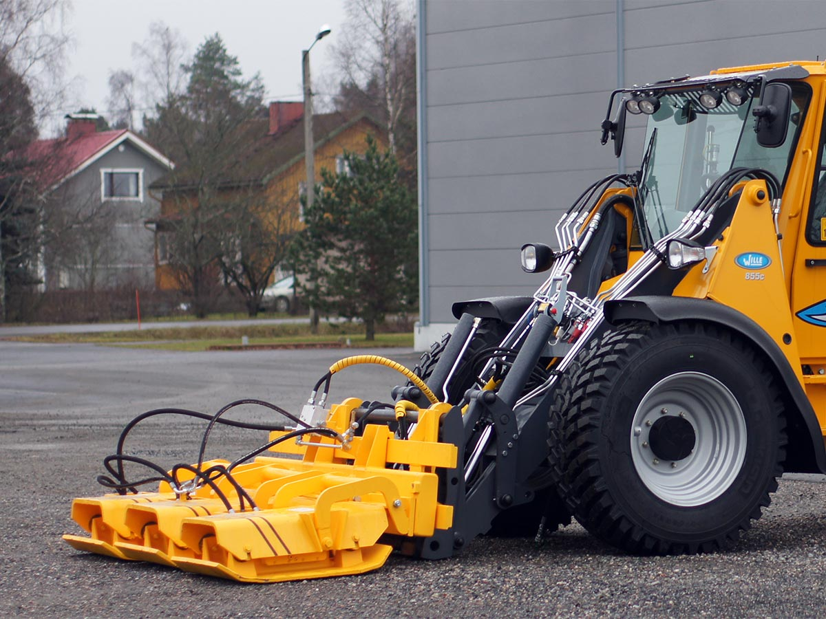 HELVE MUNICIPAL – plate_compactor_pose_855c